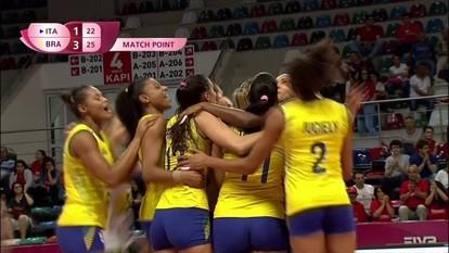 Melhores momentos de Brasil 3 x 1 Itália pelo Grand Prix de vôlei feminino