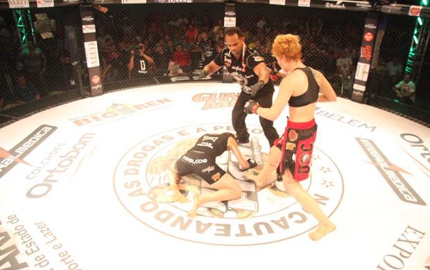 Larissa Pacheco vence Irene Aldana no Jungle Fight 63 (Foto: Igor Mota / Jungle Fight)