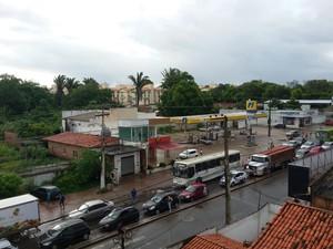 Protesto causa congestionamento e lentidão na região (Foto: Eliana Plácido)