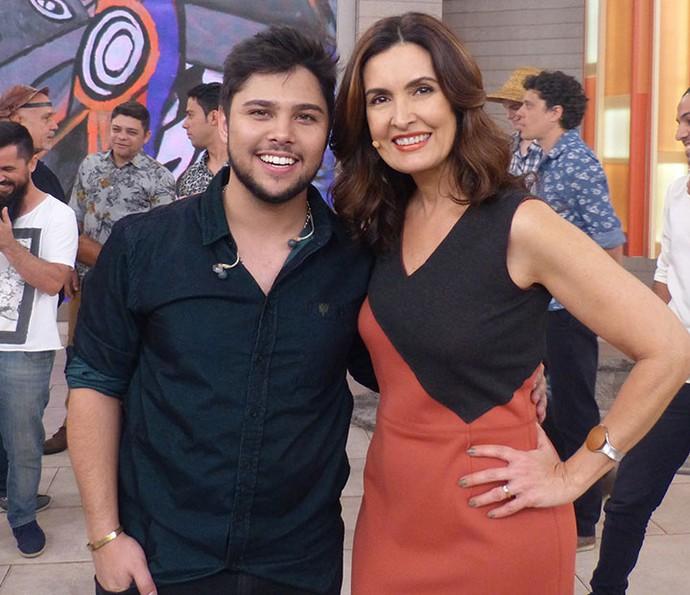 O cantor Renato Vianna com Fátima (Foto: Vinícius Cunha/Gshow)