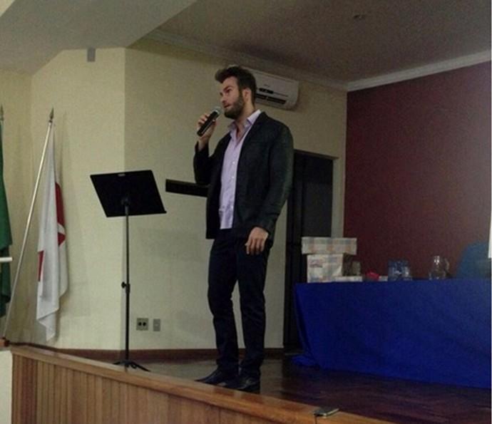 Wesley em uma de suas palestras: qualidade de vida é o tema (Foto: Reprodução)
