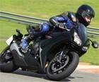 Honda; CBR 1000 RR; 250R; esportiva; lançamento; yamaha; r1; ninja; kawsaki; moto; novidade; 2013; linha do tempo (Foto: Divulgação)