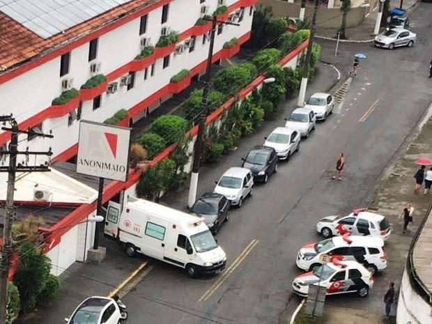 Caso aconteceu dentro de motel, na manhã desta quinta-feira (15), em Santos (Foto: G1)