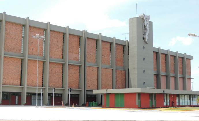 Ginásio Municipal Professor Hugo Ramos II (Foto: Thiago Fidelix)