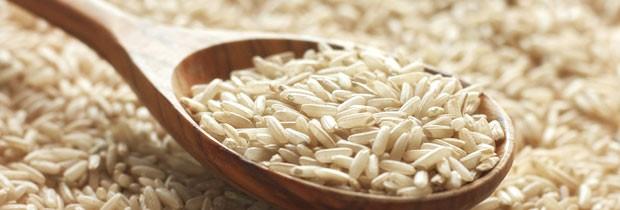 Há uma razão para que o arroz branco seja um dos principais ingredientes países considerados saudáveis como o Japão (Foto: Think Stock)