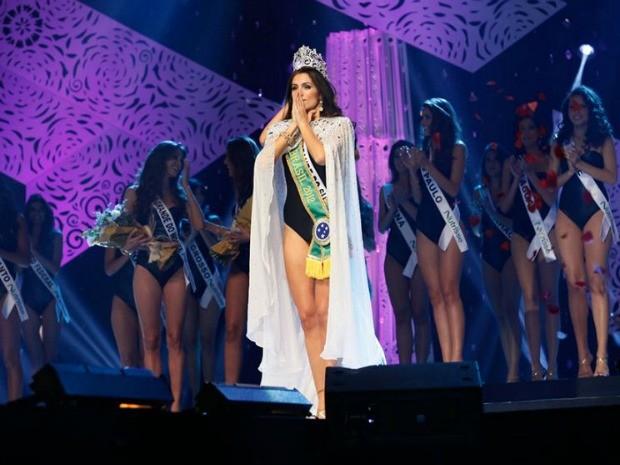Gabriela Markus deu ao Rio Grande do Sul o 12º título de Miss Brasil (Foto: TV Bandeirantes/Divulgação)