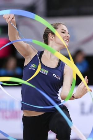 Natália Gaudio no Mundial de Stuttgart (Foto: Ricardo Bufolin/CBG)