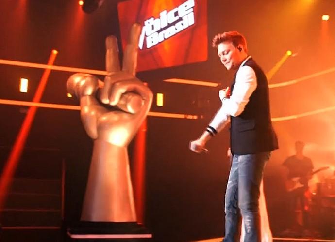Curiosidade enorme pra saber o hit que Michel Teló cantará (Foto: TV Globo)