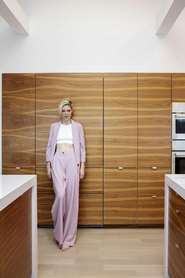 Supermodelo tem cozinha moderna e divertida (Foto: Divulgação)