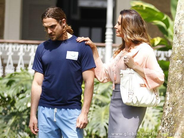 Yvete fala do casamento de Ester para Alberto (Foto: Flor do Caribe/TV Globo)
