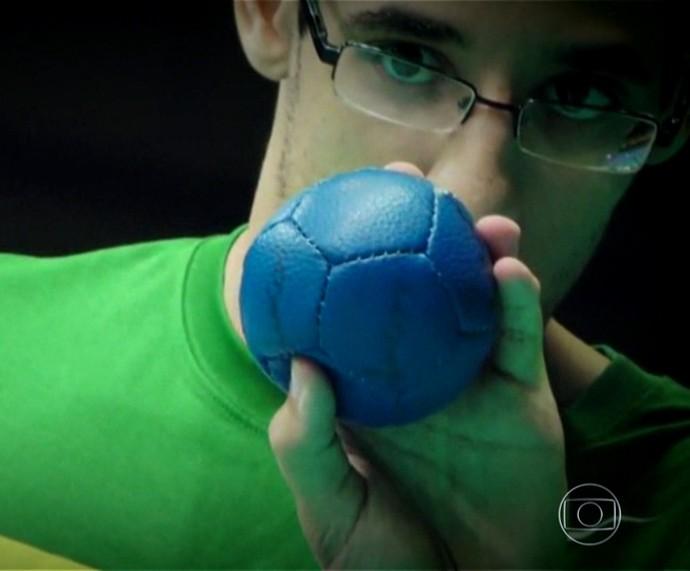 Lucas Araújo é atleta paralímpico da bocha (Foto: TV Globo)