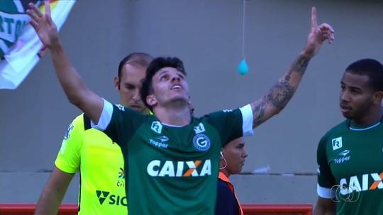 Campeão, Tiago Luís festeja com os filhos e se vê como craque do Goianão