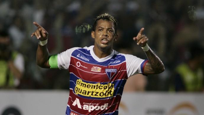 Marcelinho Paraíba comemora gol Icasa Campeonato Cearense PV (Foto: Tuno Vieira/Agência Diário)