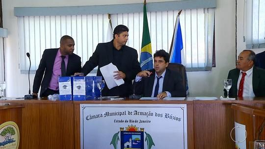 Vice é notificado pela Câmara e assume Prefeitura de Búzios, RJ, após afastamento de André Granado