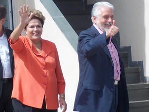 Dilma Rousseff e Jaques Wagner (Foto: Henrique Mendes / G1)