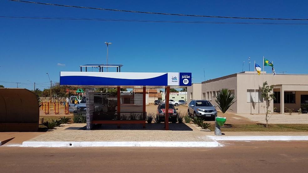 Ponto de ônibus tem 24 metros quadrados e carregadores de celular (Foto: Divulgação/Prefeitura de Palmas)