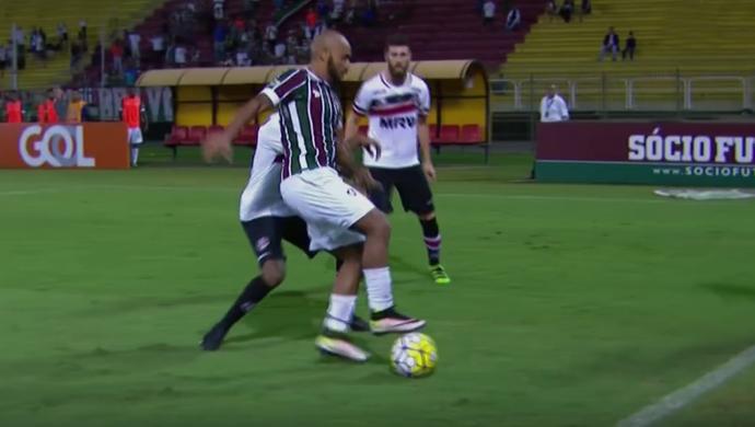 Jonathan, lateral do Fluminense (Foto: Reprodução SporTV)