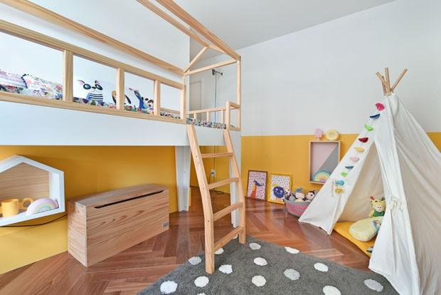 Décor do dia: cama nas alturas e cabaninha criam quarto infantil dos sonhos (Foto: Divulgação)