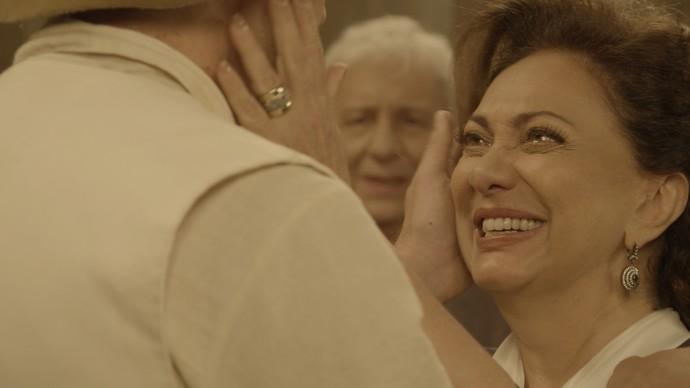 Finalmente Anastácia encontra com o verdadeiro filho!  (Foto: TV Globo)