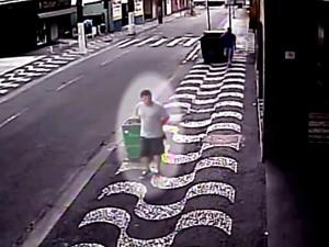 Policia divulgou novas imagens de crime em Santos (Foto: Reprodução/TV Tribuna)