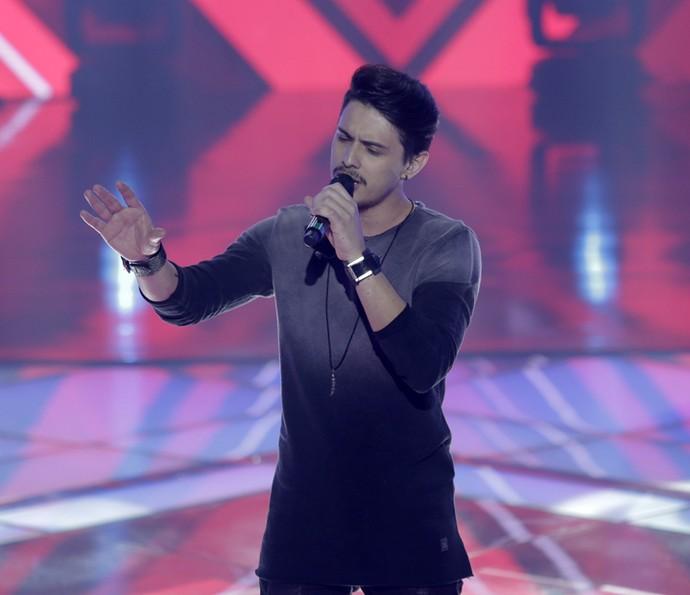 Dan Costa cantou 'Dia, Lugar e Hora' (Foto: Artur Meninea/Gshow)