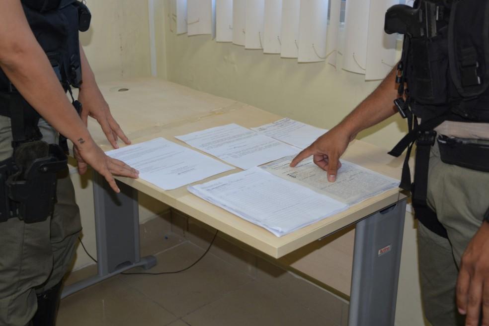 Técnicos do INSS notaram que documentação apresentada era falsa (Foto: Divulgação/Polícia Federal)