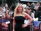 Quatro meses após dar à luz, Kate Winslet brilha em première de filme