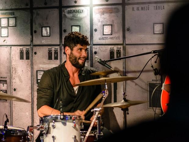 Dudu Azevedo toca em festa na Zona Sul do Rio (Foto: Raphael Medeiros/ Divulgação)