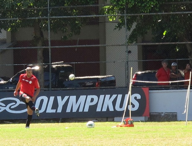 Adriano treino Flamengo (Foto: Richard Souza / Globoesporte.com)