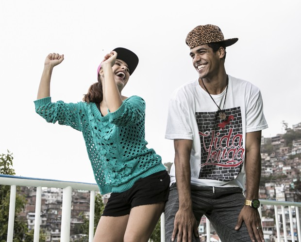 Paloma Bernardi e Marcello Melo Jr. se jogam no funk  (Foto: Inácio Moraes/TV Globo)