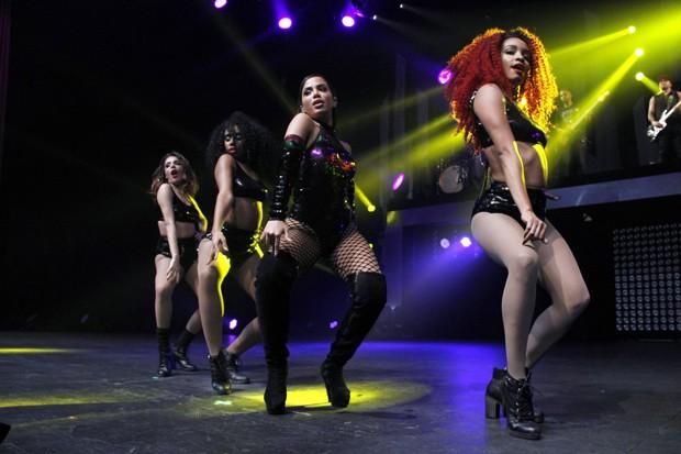 Anitta em show no Rio (Foto: Marcos Ferreira / Brazil News)