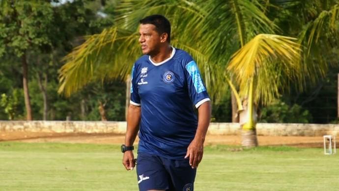 Mauro Fernandes, técnico do Caldas Novas (Foto: Reprodução/TV Anhanguera)