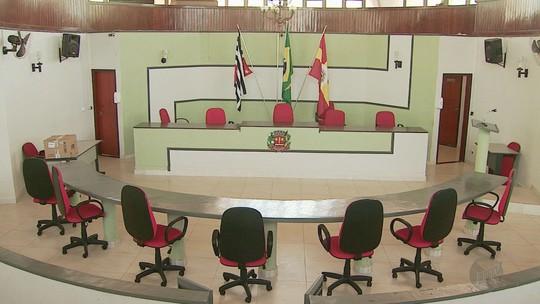 Justiça corta salário de vereador preso por suspeita de integrar esquema que desviou R$ 6 milhões em Miguelópolis