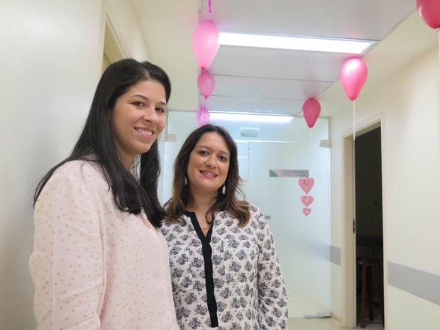 Priscila e a médica oncologista Ticila (Foto: Mariane Rossi/G1)
