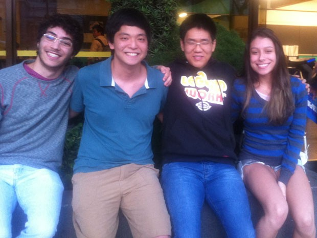 Os estudantes Gabriel do Nascimento, Breno Teruo, Kyoung Tae e Sara Silvério passaram para a segunda fase da Fuvest. (Foto: Divulgação/Cursinho Etapa)