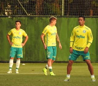 Jean, Barrios e Róger Guedes treino Palmeiras (Foto: Rodrigo Faber)