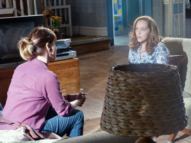 Vera fica surpresa ao saber o que Anita aprontou (Foto: Malhação / TV Globo)