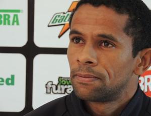 Wellington Saci figueirense lateral-esquerdo (Foto: Renan Koerich)