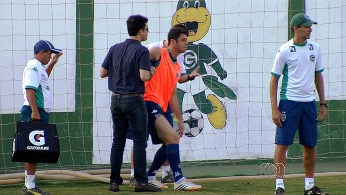 Felipe Menezes, meia do Goiás (Foto: Reprodução/TV Anhanguera)