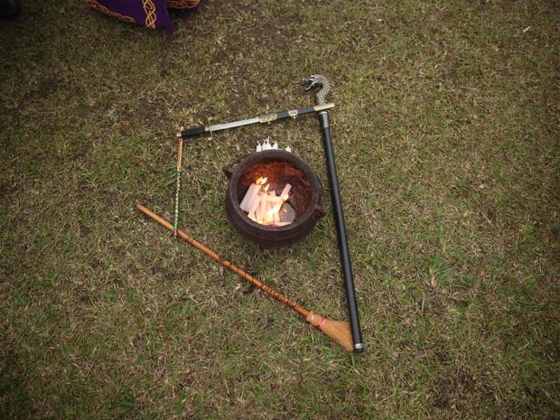 Rituais de bruxaria incluem trabalhos com vela (Foto: Glauco Araújo/G1)