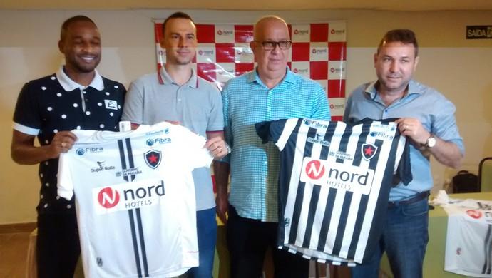 Apresentação do novo patrocinador do Botafogo-PB (Foto  Expedito Madruga  (GloboEsporte. d2ba35b5f410d