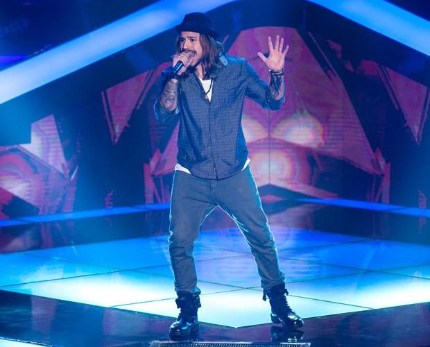 Kim Lírio canta no The Voice Brasil  (Foto: Isabella Pinheiro/ TV Globo)