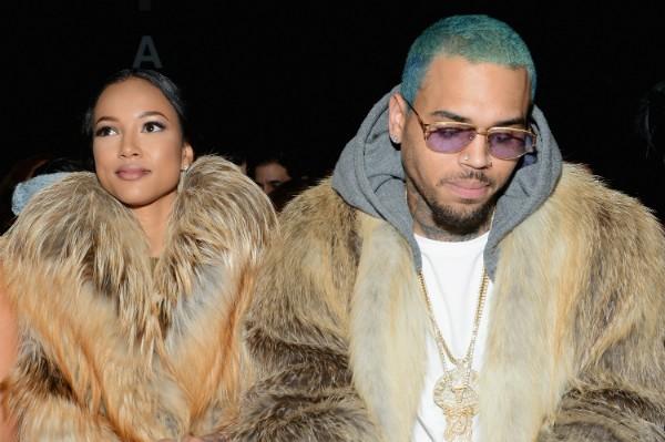 Chris Brown e Karrueche Tran durante um evento em 2015 (Foto: Getty Images)