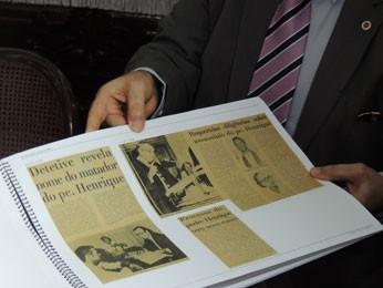 Material sobre o assassinato do Padre Henrique (Foto: Vitor Tavares/G1)
