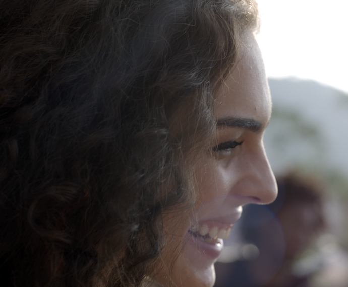 Ciça fica toda sorridente em cima de Rodrigo (Foto: TV Globo)