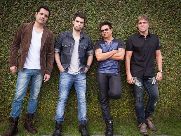 A  nova formação do Yahoo: além de Marcelão e Zé Henrique, agora entram os músicos Rodrigo Novaes e Ricardo Aspira (Foto: Divulgação)