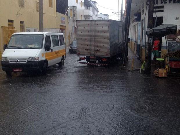 Chuva alaga o bairro do Uruguai, em Salvador (Foto: Alexandre Wanderley/Arquivo pessoal)