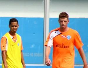 Jhonnatan, Yago Pikachu e Aylon durante treino no Paysandu (Foto: Fernando Torres/Paysandu)