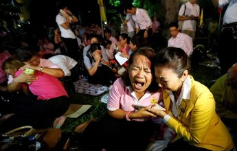 Morte de rei tailandês antecipa título de brasileiro e muda rotina do povo