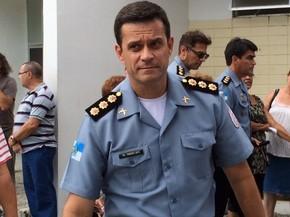 Comandante-geral das UPPs, coronel Pinheiro Neto, esteve no velório, mas não falou com a imprensa (Foto: Cristina Boeckel / G1)
